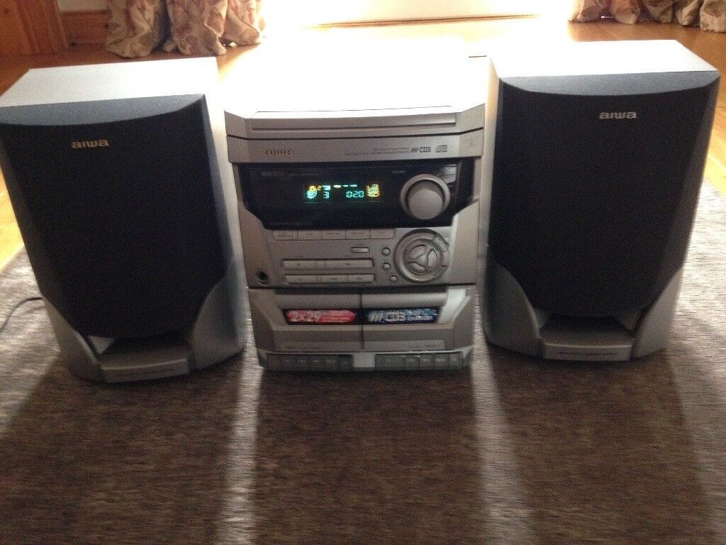 AIWA CD/cassette/radio player NSX -S111
