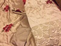 Juliet red bed linen