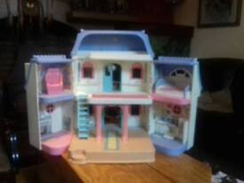 Fisher price Large dolls house