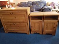 Oak Veneer Chest of Drawers and Matching Pair of Bedsides