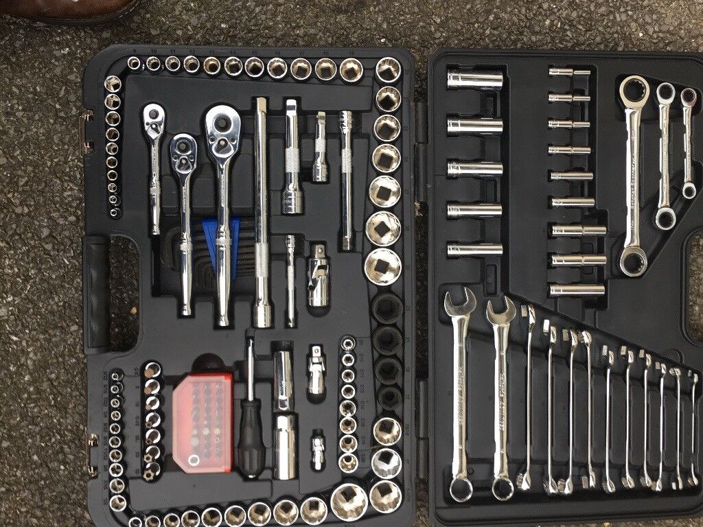 Halford advanced 150 piece socket set