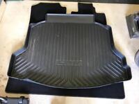Honda CRV - boot liner (64 plate)