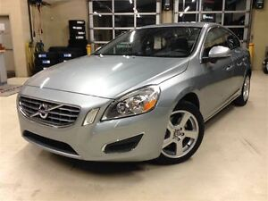 2012 Volvo S60 T5.SIÈGES CHAUFFANTS.CUIR.TOIT OUVRANT.MAGS.
