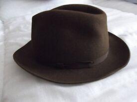 FUR FELT BROWN HAT