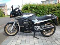 Kawasaki GPZ 900R - A8