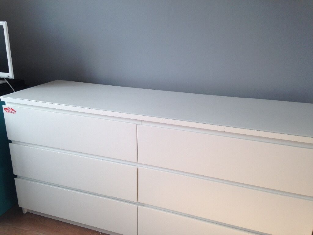 ikea malm double chest of drawers in white with matching glass top in solihull west midlands. Black Bedroom Furniture Sets. Home Design Ideas