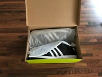 Men's Adidas Trainers Size UK 9.5 BNIB