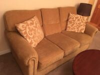Sofa, 3 seat in excellent condition