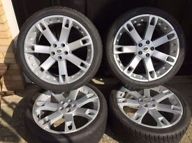 """A SET OF REFURBISHED 22"""" RANGE ROVER ALLOY WHEELS AND TOYO TYRES (2 of the tyres are brand new)."""