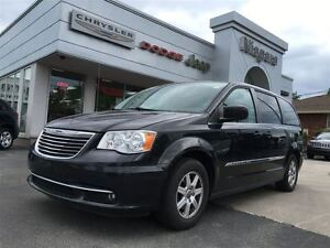 2012 Chrysler Town & Country PWR DOORS,LIFTGATE,ALLOYS,
