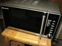 Russell Hobbs silver microwave, 700W, 19 l, excellent condition, full working order