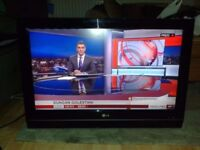 **LG**32LC56**37 INCH**HD TV**FREEVIEW**FULLY WORKING**COMES WITH POWER CABLE AND REMOTE**NO OFFERS*