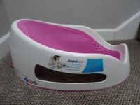 Angelcare soft-touch bath support / chair from birth - Collection from DY8 4 Stourbridge