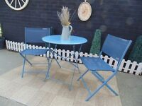 BEAUTIFUL BLUE GARDEN BISTRO SET TAKES LITTLE ROOM TO STORE