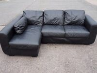 HARVEYS CORNER THREE SEATER BEAUTIFUL BLACK LEATHER SOFA (I CAN DELIVER TODAY)