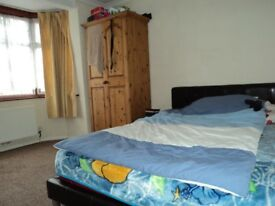 DOUBLE BEDROOM, 5 MINS TO BRIMSDOWN STATION, CLOSE TO ALL AMENITIES, VERY CLEAN, £125 PER WEEK