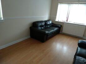 Aattractive upper 3 bedroom Flat to Rent in Hillhouse, Hamilton.