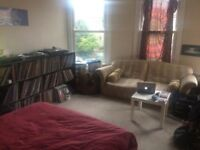 Large double room available in St Andrews