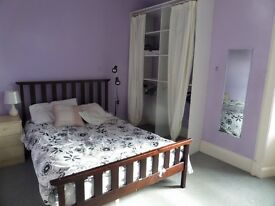 Large double room close to all amenities