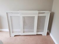 Extendable wooden radiator cover