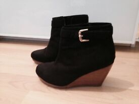 H&M wedge boots size 5