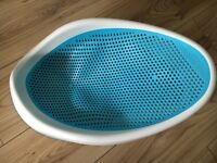 Angel care blue and white bath seat