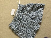 NEW with the tqb REISS Oliver-Diamond Geo Print swim short size SMALL