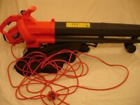 Sovereign electric blower vac 2600 W in good working order