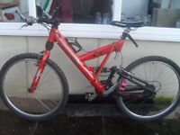 CANNONDALE BICYCLE SUPER V 700