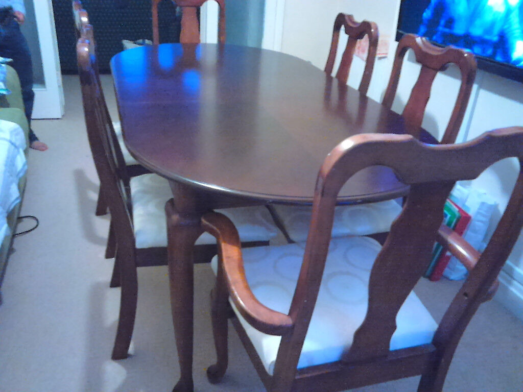 Dining Table With Six Chairs Including Two Head Excellent Condition