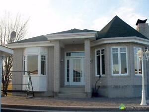495 000$ - Domaine et villa à vendre à La Motte