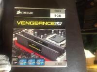 Corsair vengeance lp 2 x 4gb sticks boxed ddr3 1600 MHz