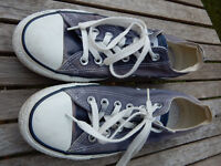 Converse Blue pumps summer Eu 39 UK 6 Festival shoes flats canvas boots in very good condition