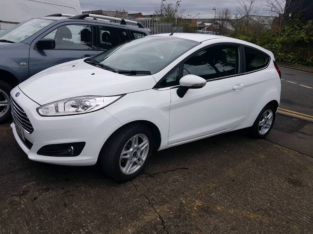 ford fiesta zetec white in tipton west midlands gumtree. Black Bedroom Furniture Sets. Home Design Ideas