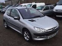 2005 PEUGEOT 206 hatchback 1360 CC ENGINE MOT GOOD DRIVING LITTKE CAR IDEAL CHEAP RUNABOUT ANY TRIAL