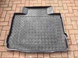 Vauxhall Insignia custom fit waterproof boot liner (5 door hatchback)