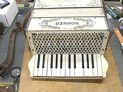 Old Hohner White Accordion 25 key and 12 Bass Model Made in Germany w/Case Works