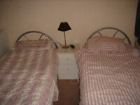 2girls wanted toshare large twin room in North Acton-zone 2-