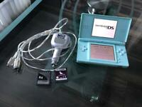 Nintendo DS lite console, charger & games!