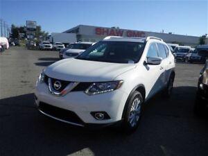 2016 Nissan Rogue SV | Heated Seats | Backup Cam | Moon Roof
