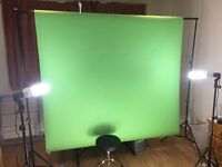 Home Studio Support Frame, 3 x Soft Box Lights & Summer Green Paper Backdrop (Professional Quality)