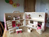 PLAYTIVE Junior wooden dolls house