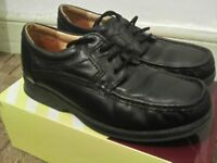 Mens leather shoes size 8.
