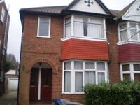 Lovely one double bedroom flat to let in Cleveland Gardens