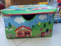 Happyland storage box