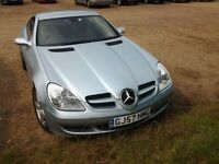 Beautiful Mercedes slk 350, light blue metallic paint, convertible, leather seats, air con