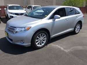 2011 Toyota Venza Automatic, Leather, Heated Seats, AWD