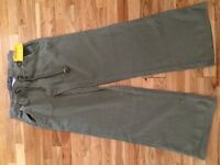 Soul cal (republic) size 6 olive cotton trousers. Brand new with tags