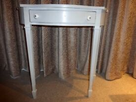 SHABBY CHIC CONSOLE TABLE - GOOD CONDITION