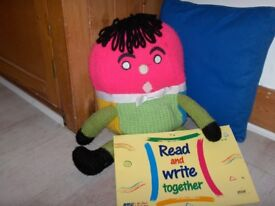 Play and Learn Helping 3 to 5 year olds to read and write